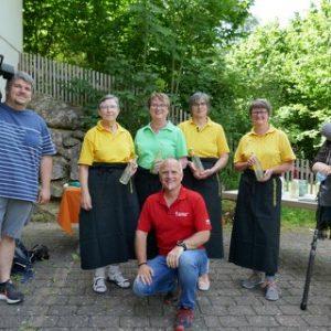 SWR zu Gast in Weiler bei den Gartenführerinnen Thema Holunder